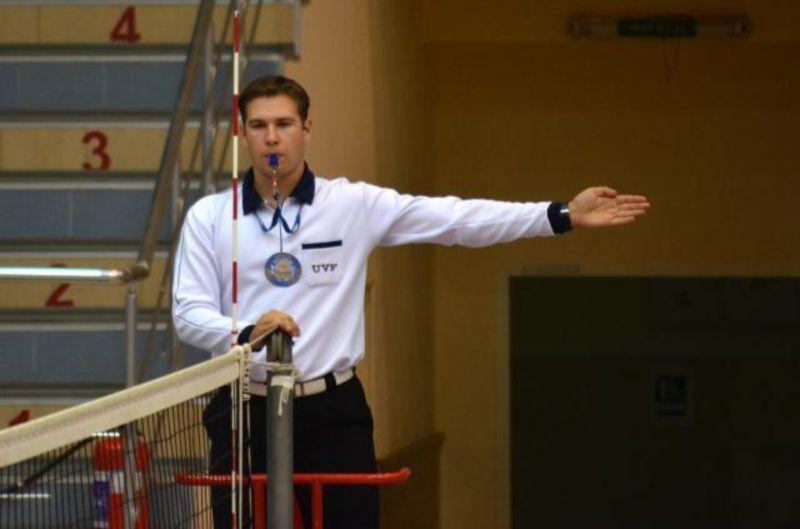 Главный судья в волейболе