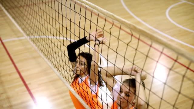 Касание сетки в волейболе