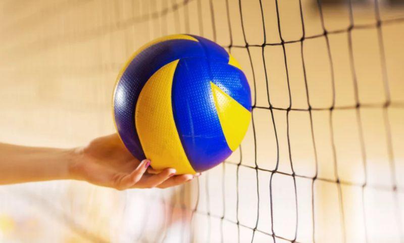 Волейбол процесс игры попадание мяча в сетку