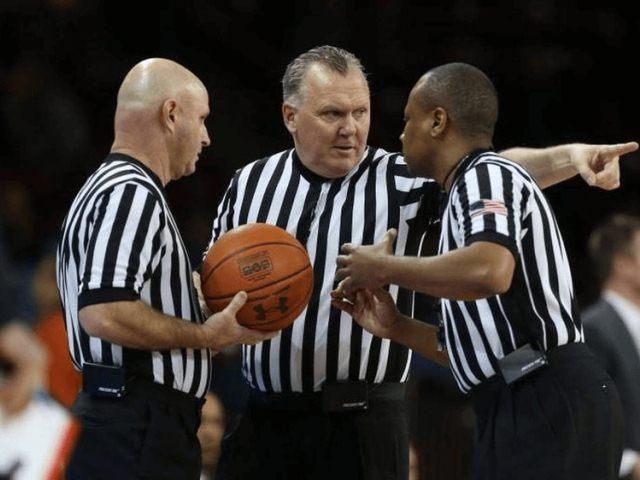 судьи в баскетболе